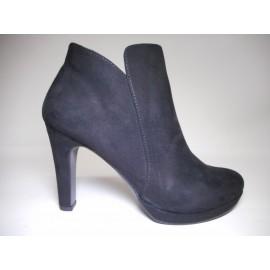 official photos ec16c e2e8d Pisapia Roma: vendita online di calzature e accessori delle ...